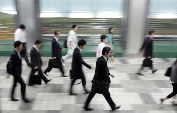 日本 経済 若者