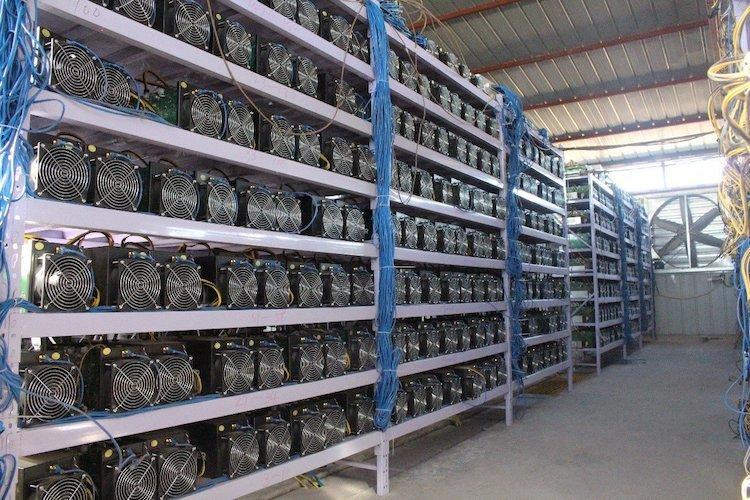Bitcoin(ビットコイン) 30万円台 暴落 マイニング業者