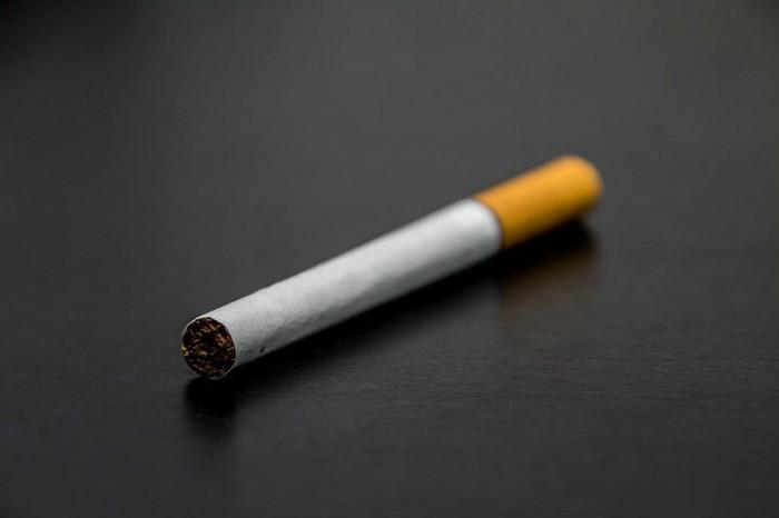日本 タバコ 禁煙化