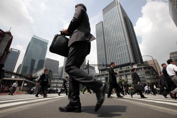 景気回復 6年2か月 戦後最長 可能性
