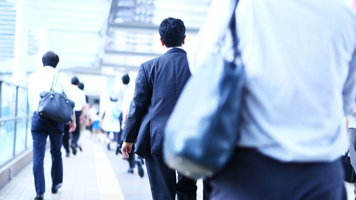 日本 給料収入 儲からない 仕組み