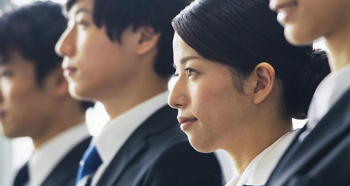 日本 若者 大企業離れ