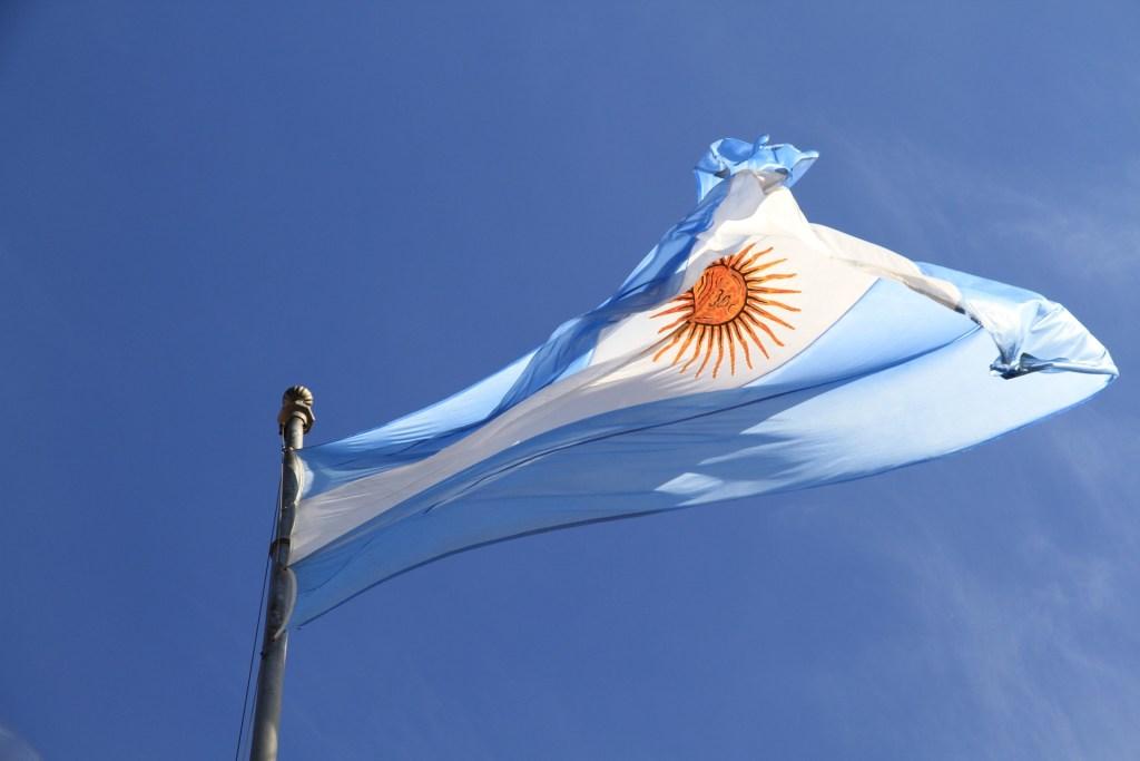 アルゼンチン 金利 60%
