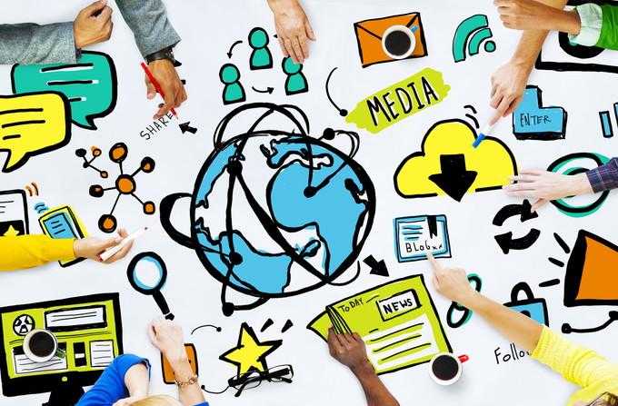 BAND オープンメディア クローズドメディア