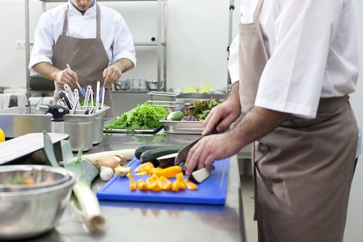 日本 料理人 マカオ 転職 給料 4倍