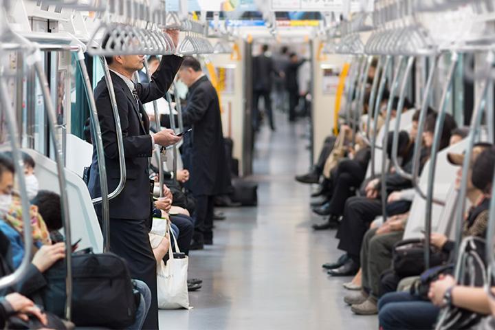 東京オリンピック 通勤 車 使わない 電車 一つ前の駅から歩く