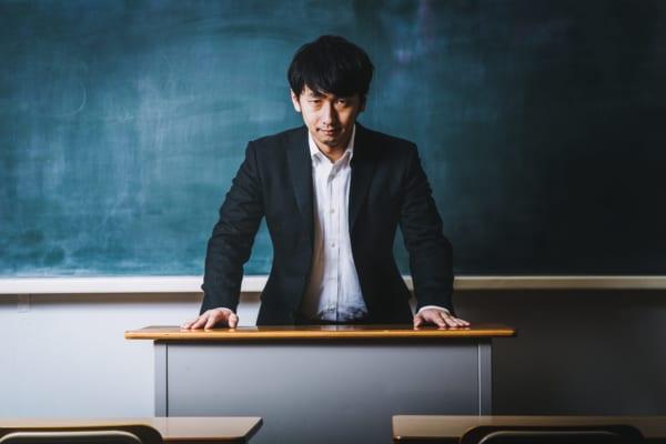 大阪 府立高校 教諭 長時間労働 学校側 裁判